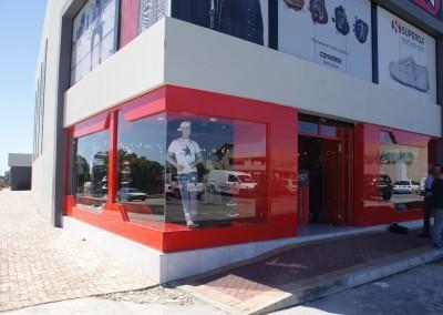 Fabricator Coastal Multi Glass Project-Street Fever Greenacres-Crealco Clip44 Shopfront